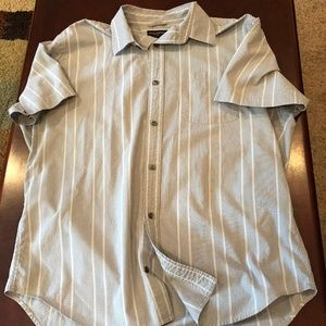 L banana republic tee